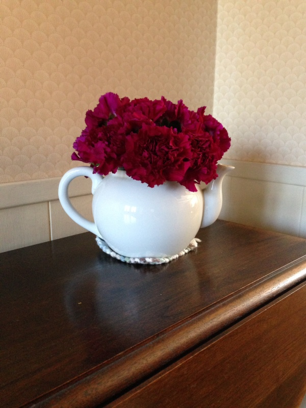 Teapot with carnations